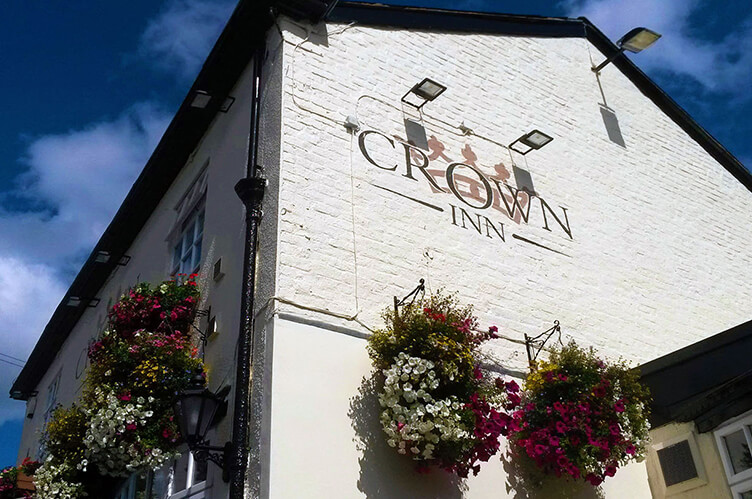 crown_inn_widnes_pub_food_live_music_sunday_lunch_introduction-4-mobile